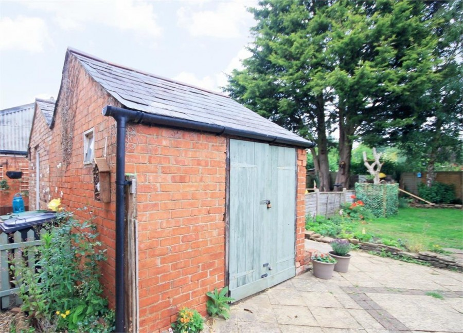 Images for Northampton Road, BRIXWORTH EAID:hortseaapi BID:1
