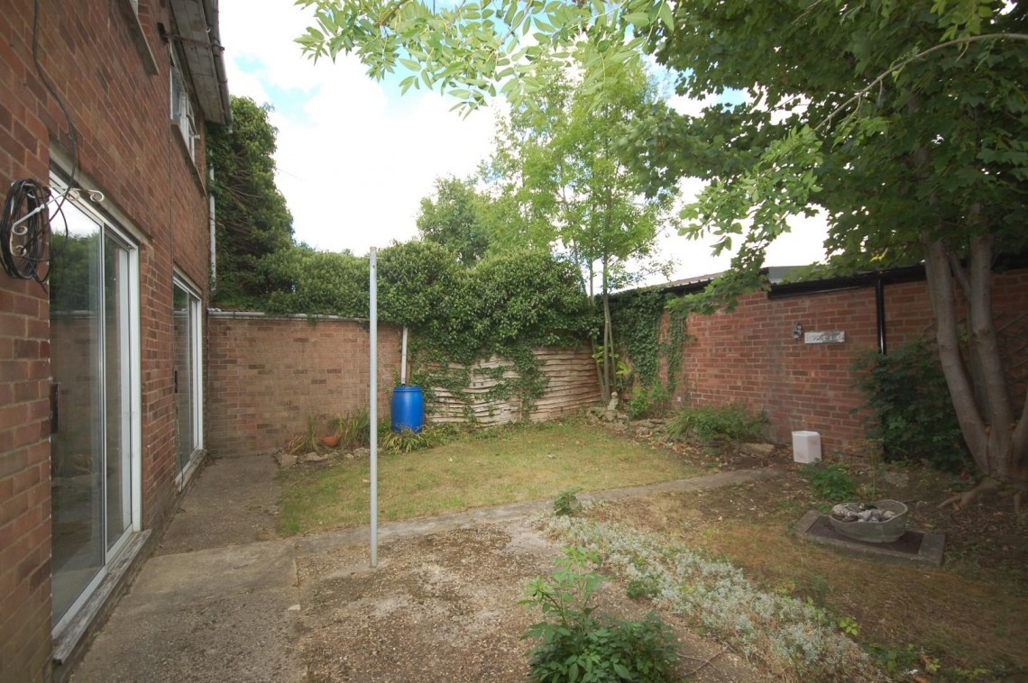 Images for Greenside, Eastfield, Northampton EAID:hortseaapi BID:1